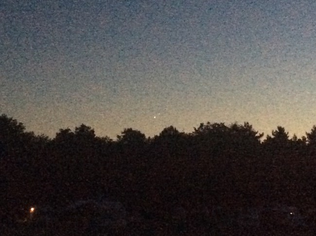 Venus en Jupiter heel dicht bij elkaar